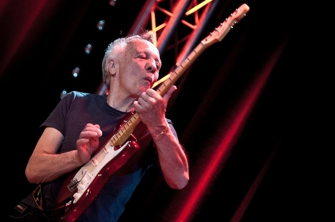 Won't Let You Down: Robin Trower Continues Growth With Time and Emotion