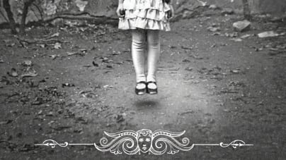Miss Peregrine's Home for Peculiar Children: by Ransom Riggs