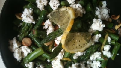 Spectrum Seasonal: Asparagus Salad with Feta & Hazelnuts