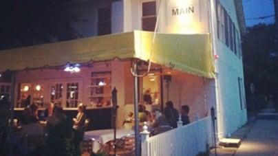 The Square: Main, Nosh and Prep: Greenport, NY
