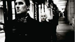 Rediscover: The Go-Betweens: Oceans Apart