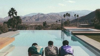 Jonas Brothers: Happiness Begins
