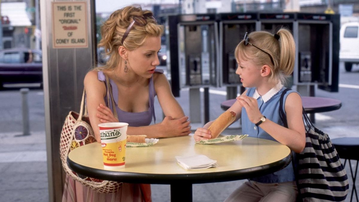 Brittany Murphy and Dakota Fanning in Uptown Girls